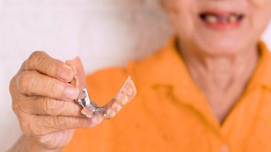 dr ope sodeinde gum disease treatment london specialist periodontist